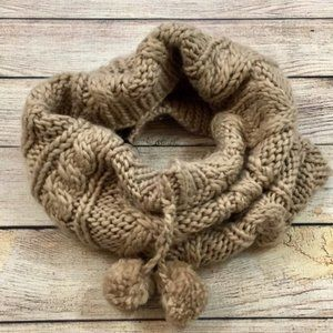 H&M Accessories - H&M Cable Knit Cowlneck Scarf